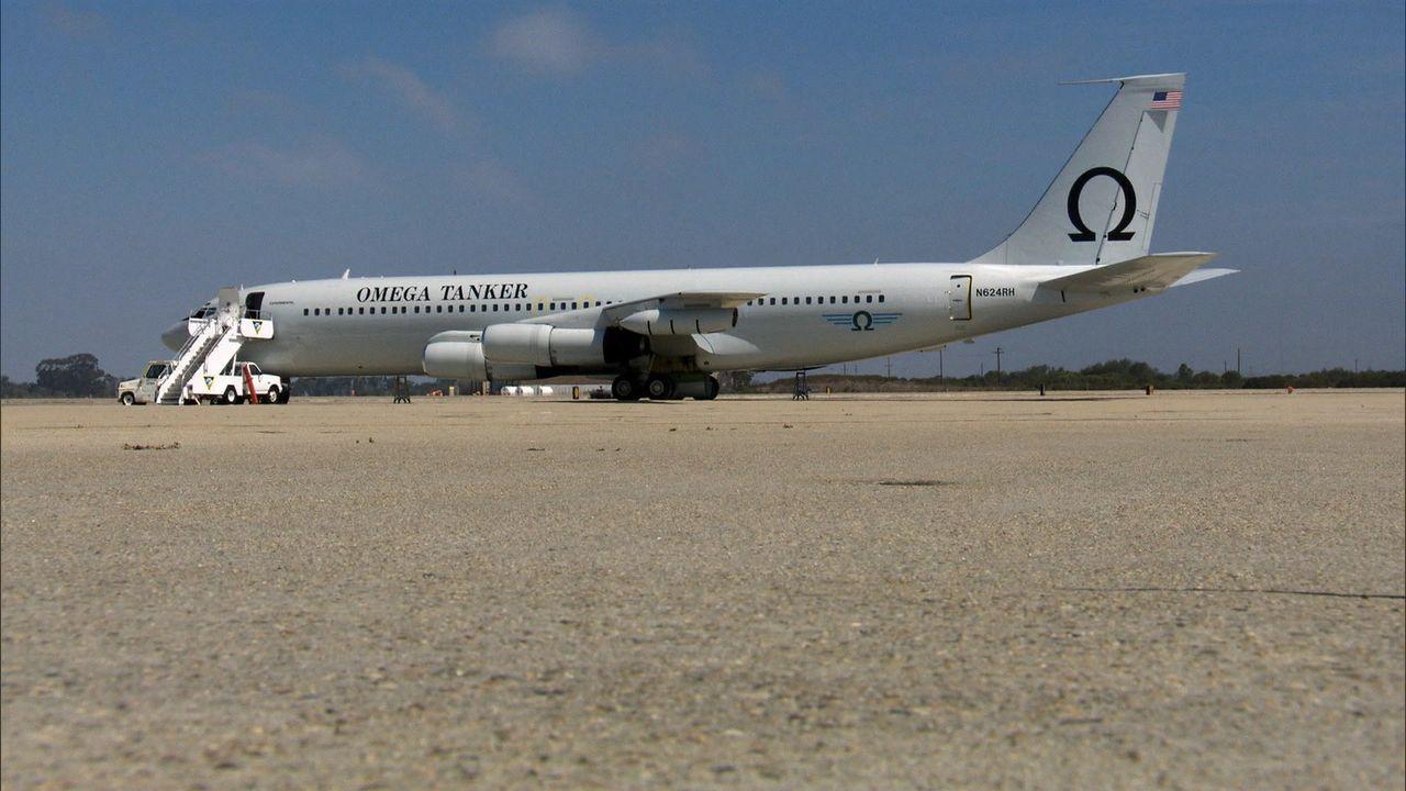 Die modifizierte Boeing 707 ist eines von nur zwei 707-Tankflugzeugen der Welt, Omega Aerial Refueling Dienstleistungen bieten kommerzielle Luft Bet... - Bildquelle: EXPLORATION PRODUCTION INC./DISCOVERY