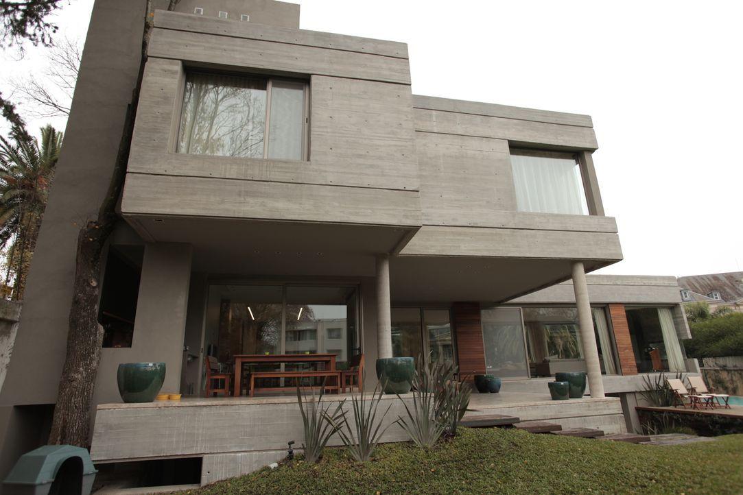 Rotierendes Haus und Flaschen-Haus - Bildquelle: 2013, HGTV/ Scripps Networks, LLC. All Rights Reserved.