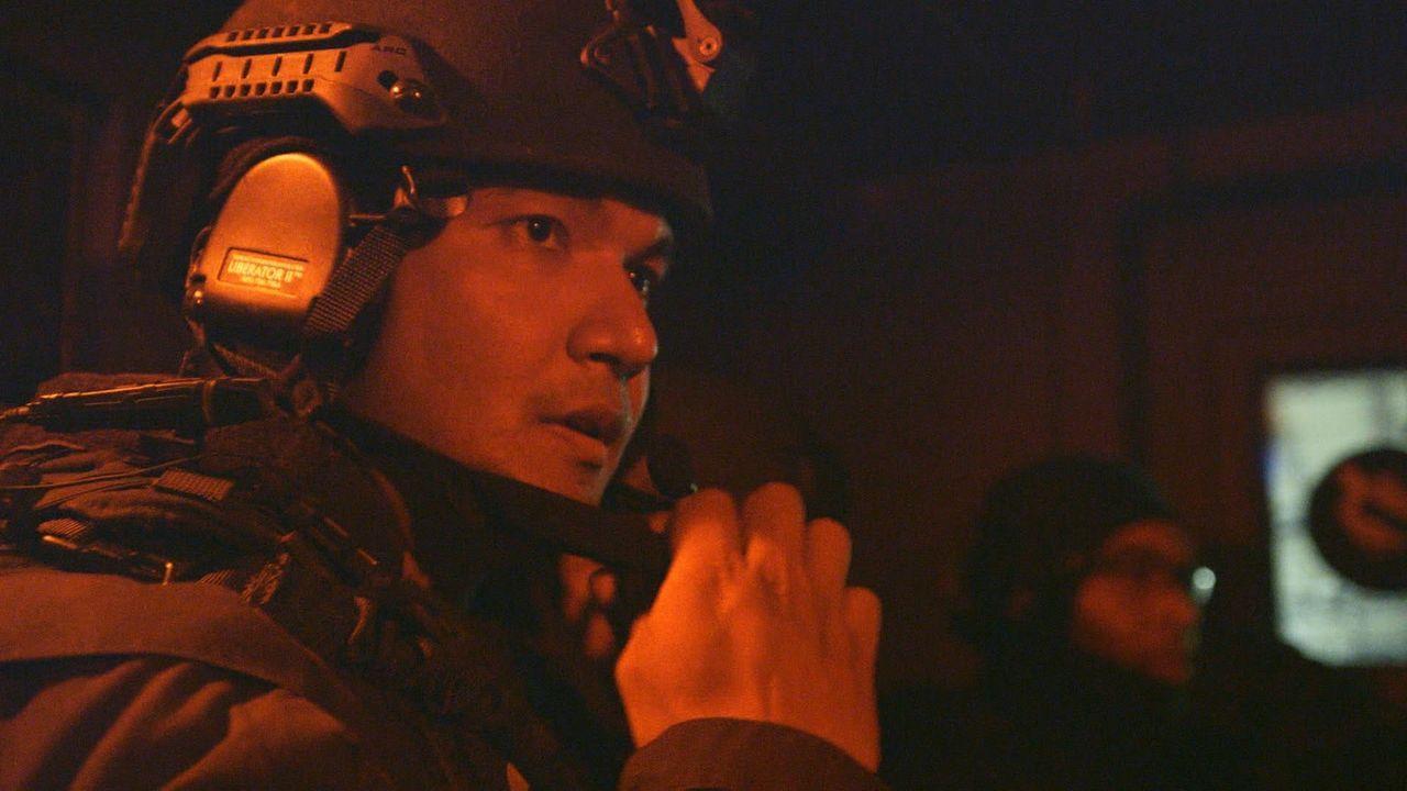 Gefahr und Ehre zugleich: Für Justin (Bild) geht bei seinem ersten Einsatz als SWAT-Offizier ein lang gehegter Traum in Erfüllung. - Bildquelle: 2015 Wolf Reality, LLC and 44 Blue Productions, Inc.  All Rights Reserved.