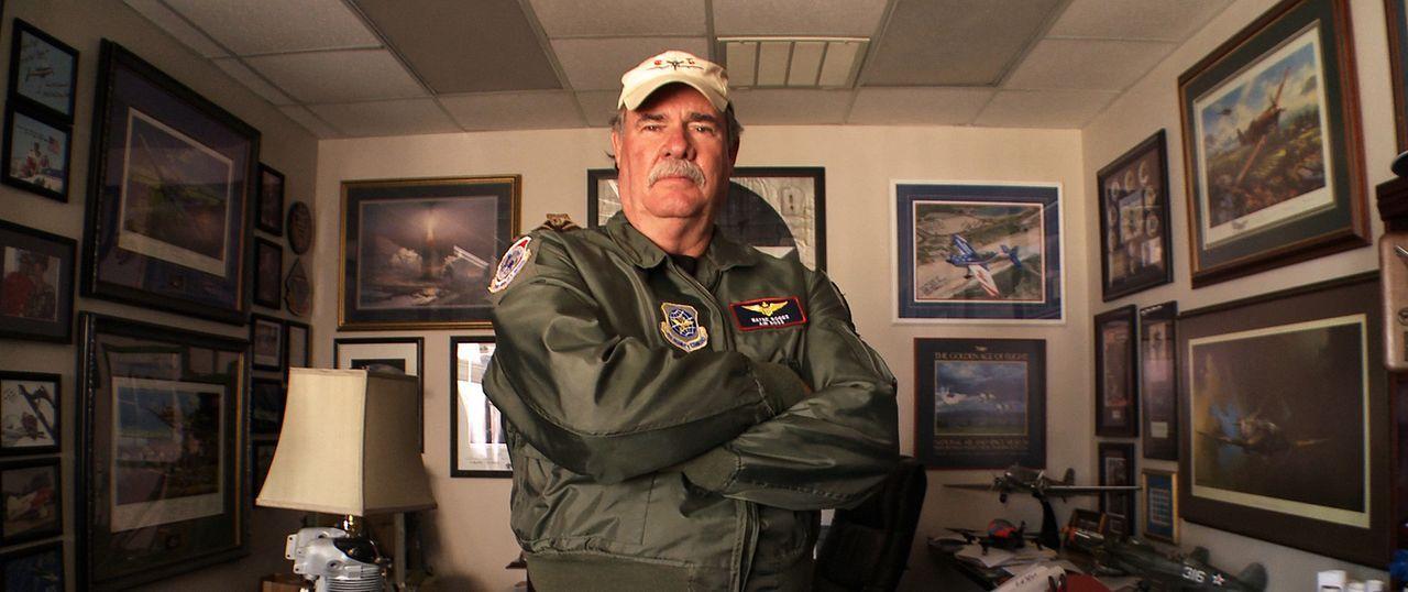 Pilot Wayne Boggs ist einer der erfahrensten Air Bosse der USA. Für die beliebten Flugshows ist er Choreograf, Mechaniker, Event-Planer und Sicherhe...