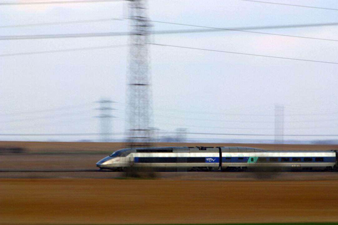 Höchstgeschwindigkeit auf Schienen. Die schnellsten Züge der Welt fahren mittlerweise in China. - Bildquelle: 2013 A& E Television Networks, LLC. All Rights Reserved.