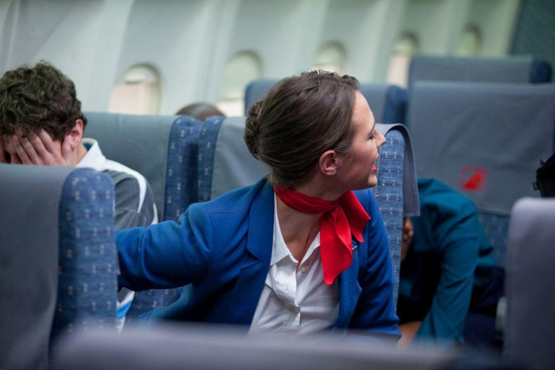 Katastrophe in Kanada: Die Fokker F28-1000 Fellowship auf dem Weg von Dryden, Ontario nach Winnipeg beginnt zu wackeln und rast 49 Sekundem nach dem... - Bildquelle: Darren Goldstein Cineflix 2009
