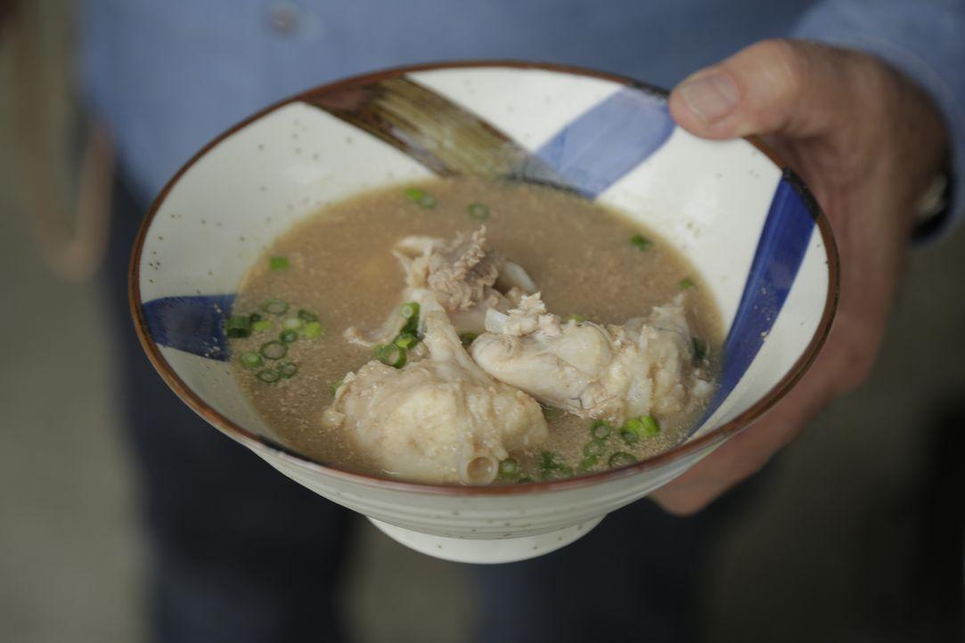 Andere Länder, andere Speisen! Koch und Autor Andrew Zimmern erkundet auf seinen kulinarischen Reisen die skurrile Kost auf ganzen Welt. - Bildquelle: 2016, The Travel Channel, L.L.C. All Rights Reserved.