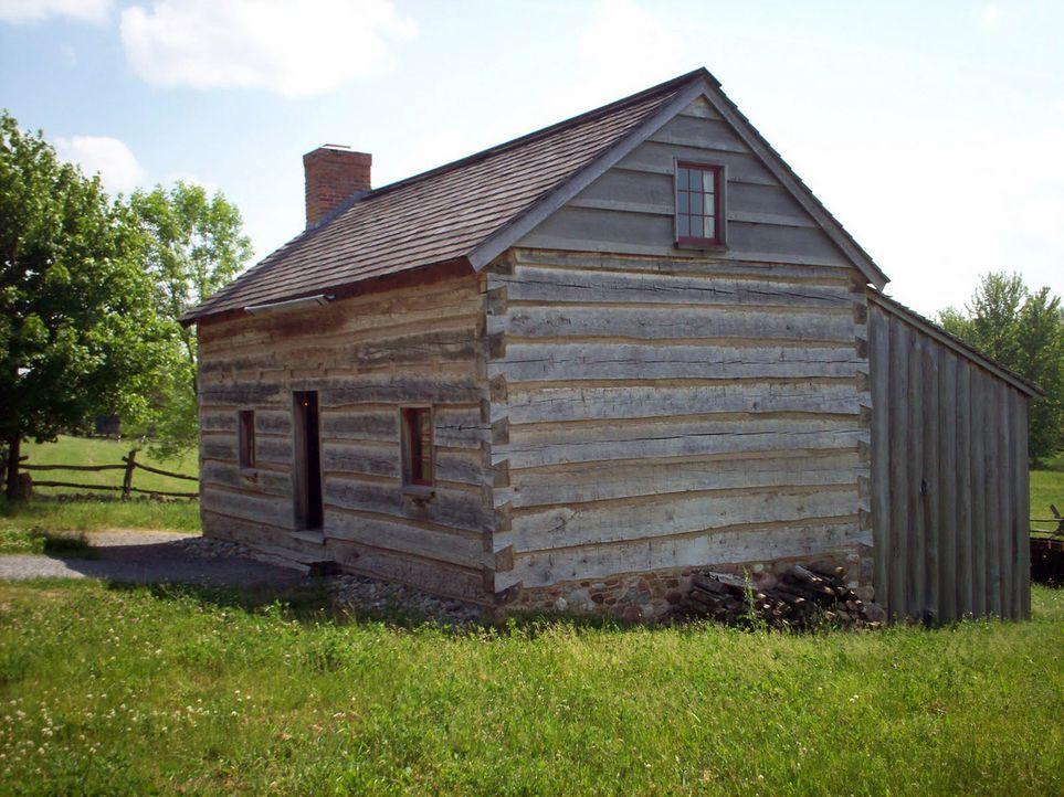 Der 17-jährige Joseph Smith wurde Berichten zufolge im Obergeschoss eines Blockhauses (Bild) von einer Kreatur aus dem Jenseits besucht. Wurde Smith... - Bildquelle: Jon Ridinger