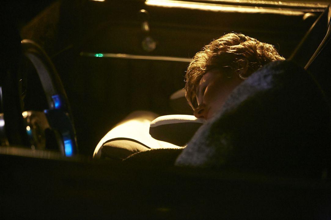 Tragisches Ende einer Partynacht: Nach der Silvesterparty wird die zweifache Mutter Kimberly Dunkin (Kristen Keller) während der Fahrt nach Hause am... - Bildquelle: Ian Watson Cineflix 2015