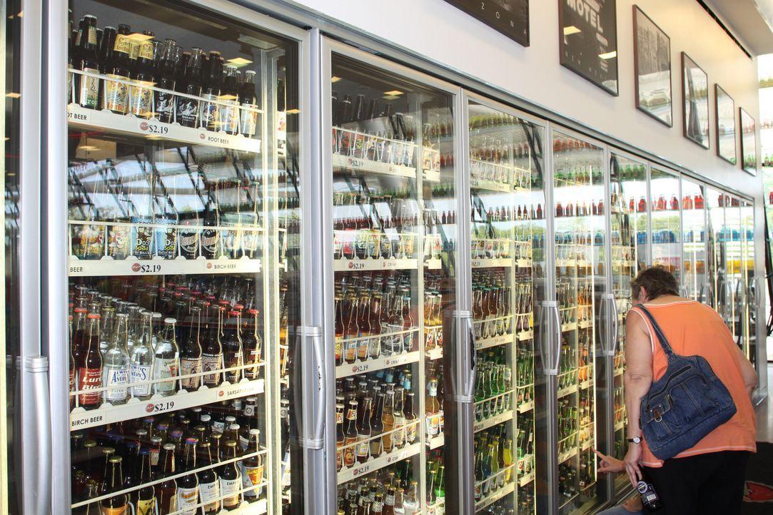 160 Millionen Amerikaner besuchen täglich einen Mini-Supermarkt - sogenannte Convenience Stores. Doch kaum jemand weiß, dass jedes kleinste Detail d... - Bildquelle: 2011 A&E TELEVISION NETWORKS. ALL RIGHTS RESERVED.  2011 A&E TELEVISION NETWORKS. ALL RIGHTS RESERVED.