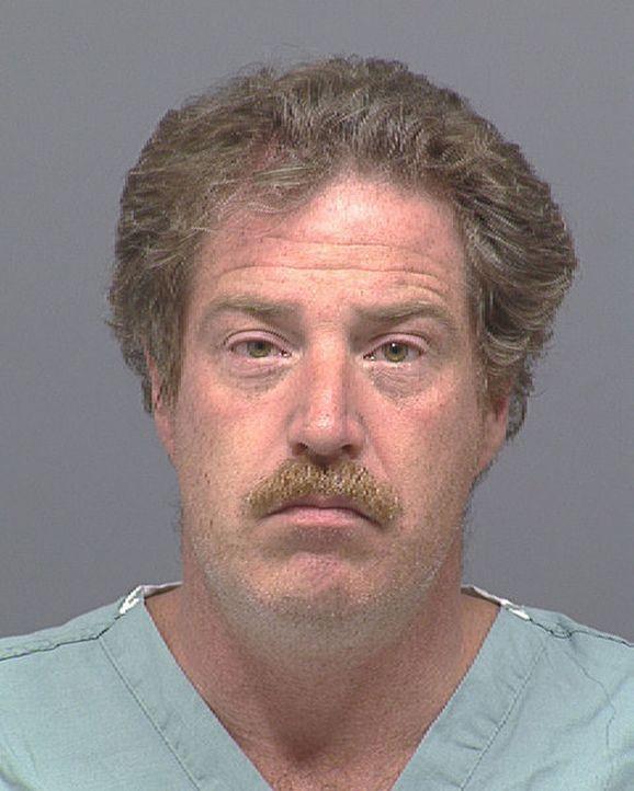 Im Jahr 1997 ermordet Ward Weaver die beiden jungen Mädchen Miranda Gaddis und Ashley Pond.