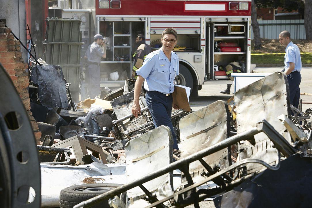 Kurz nach dem Start stürzt der TAM Flug 402 in ein Wohngebiet. Alle 95 Insassen und drei Menschen auf dem Boden sterben. Der brasilianische Ermittle... - Bildquelle: Ian Watson Cineflix 2015