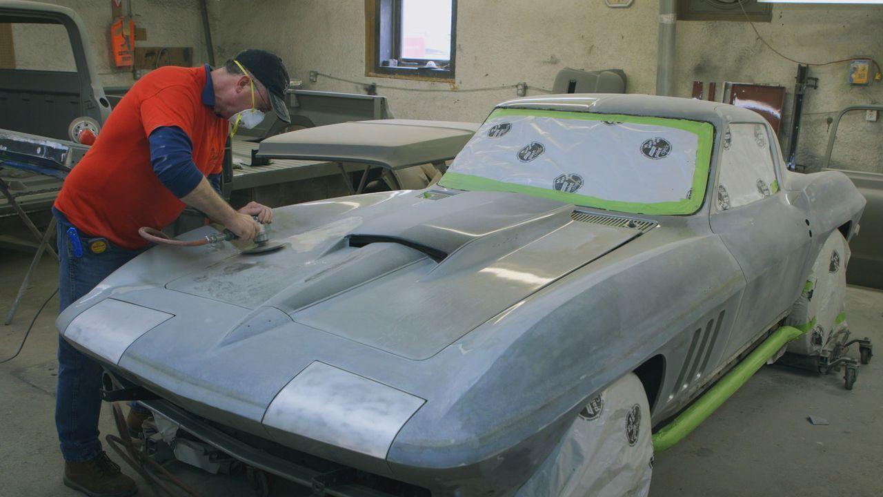 David und Larry sind auf ihrem Weg zu einem Autobauer, der eine originalgetr... - Bildquelle: Productions Pixcom Inc.