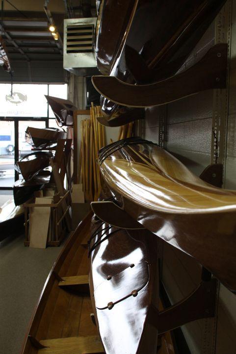 Auf dem Holzweg über das Meer: Die schönsten Boote und Kayals werden noch immer aus Holz gefertigt. - Bildquelle: 2011 A&E TELEVISION NETWORKS. ALL RIGHTS RESERVED