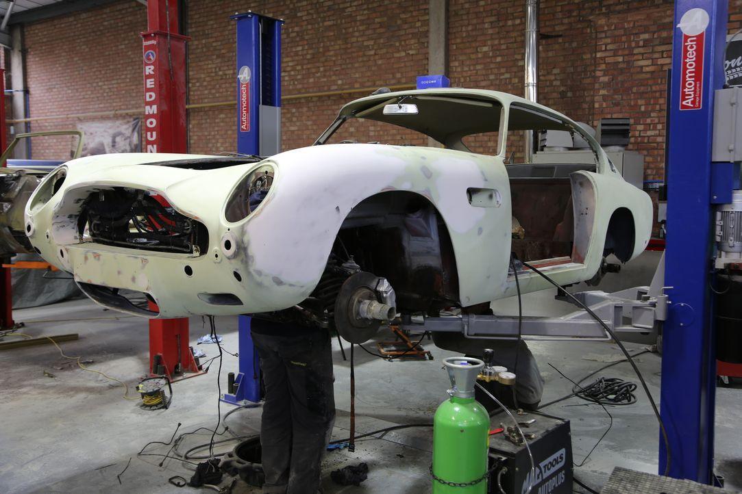 Fuzz und Tim restaurieren heute einen britischen Klassiker, den 1967er Aston... - Bildquelle: Licensed by Fox NCG Distribution (UK) Limited