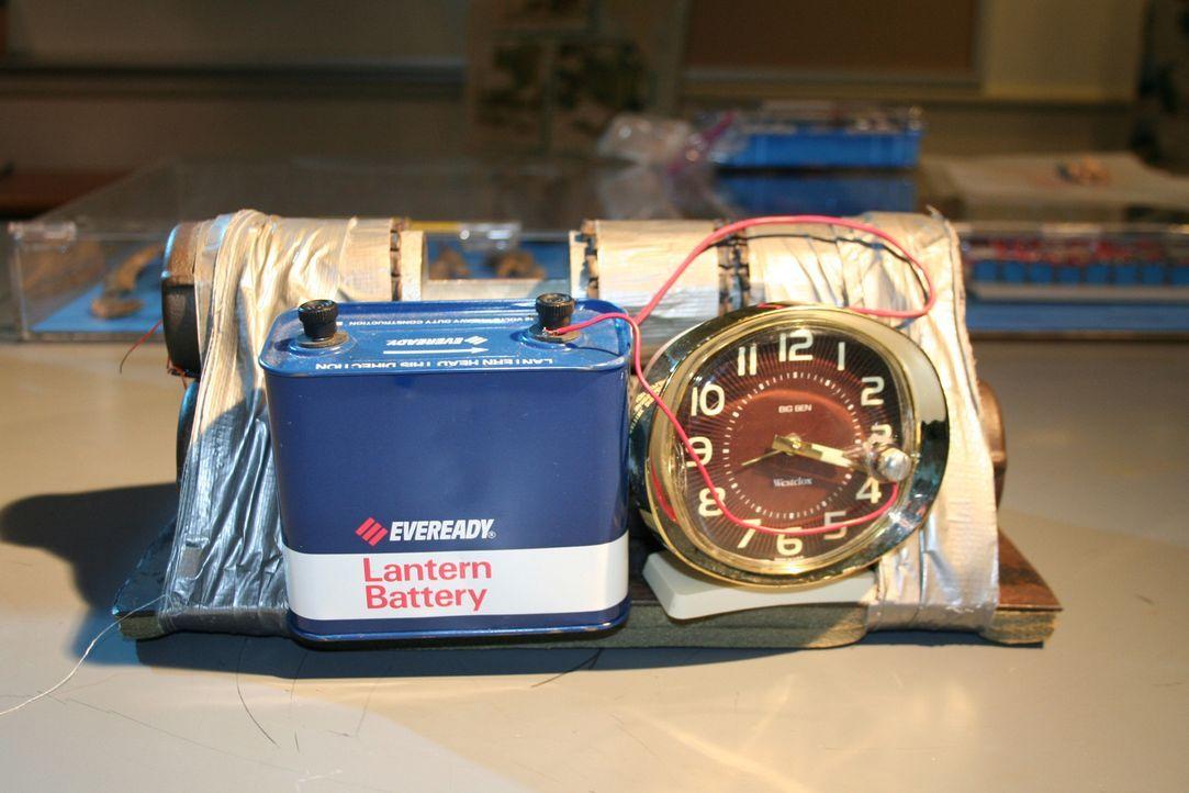 Eine Bombe als Ausstellungsstück: Wenn die Untersuchungen am Tatort abgeschlossen sind, werden die Beweisstücke verwahrt. Einige von ihnen werden au... - Bildquelle: Courtesy of Perpetual Motion Films, Inc.
