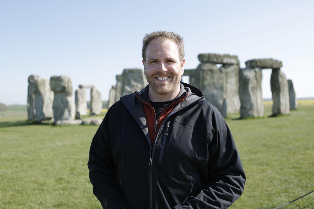 Josh Gates beschäftigt sich diesmal mit der Sage um König Artus. Dafür macht er sich auf den Weg ins Vereinigte Königreich ... - Bildquelle: 2015,The Travel Channel, L.L.C. All Rights Reserved