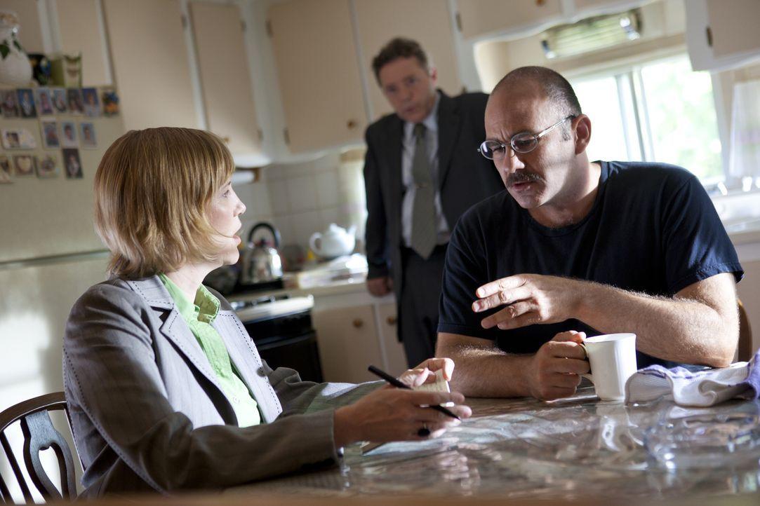Was weiß Rudy Gaytan (Italy Hele, r.) über den Mord an der 29-jährigen Tammy Tatum aus Colorado? - Bildquelle: Darren Goldstein Cineflix 2011
