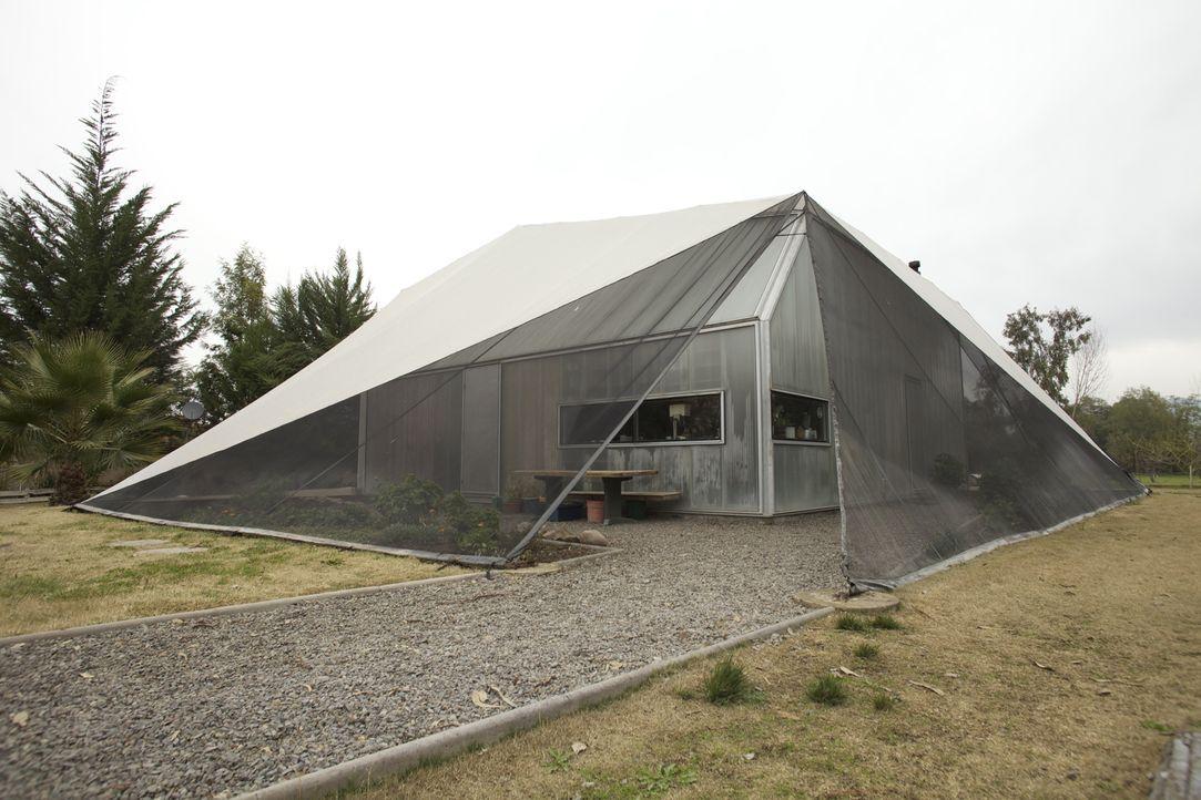 Briefkasten-Haus und Stapelgewächshaus - Bildquelle: 2012, HGTV/Scripps Networks, LLC. All Rights Reserved