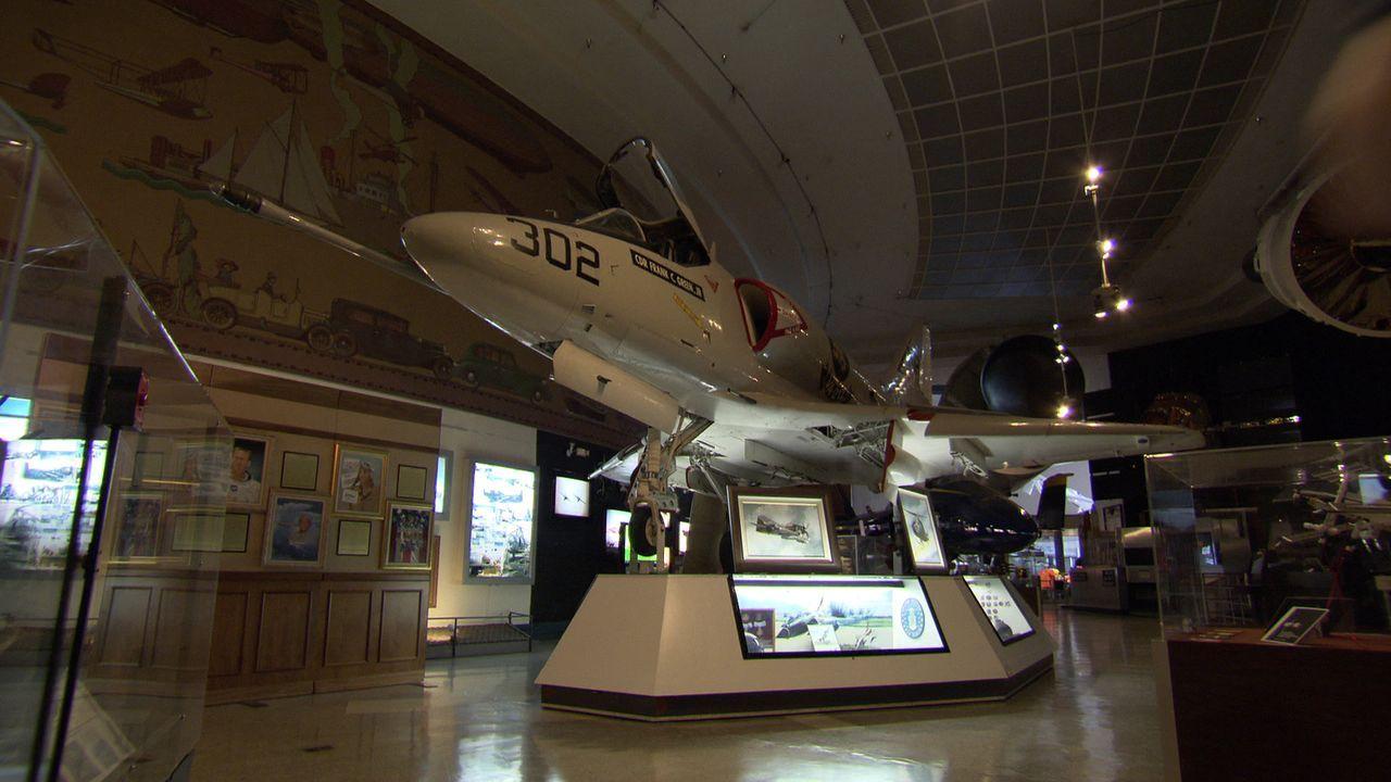 Im San Diego Air & Space Museum Interior 4 geht Don Wildman Geheimnissen auf die Spur ... - Bildquelle: 2014, The Travel Channel, L.L.C. All Rights Reserved.