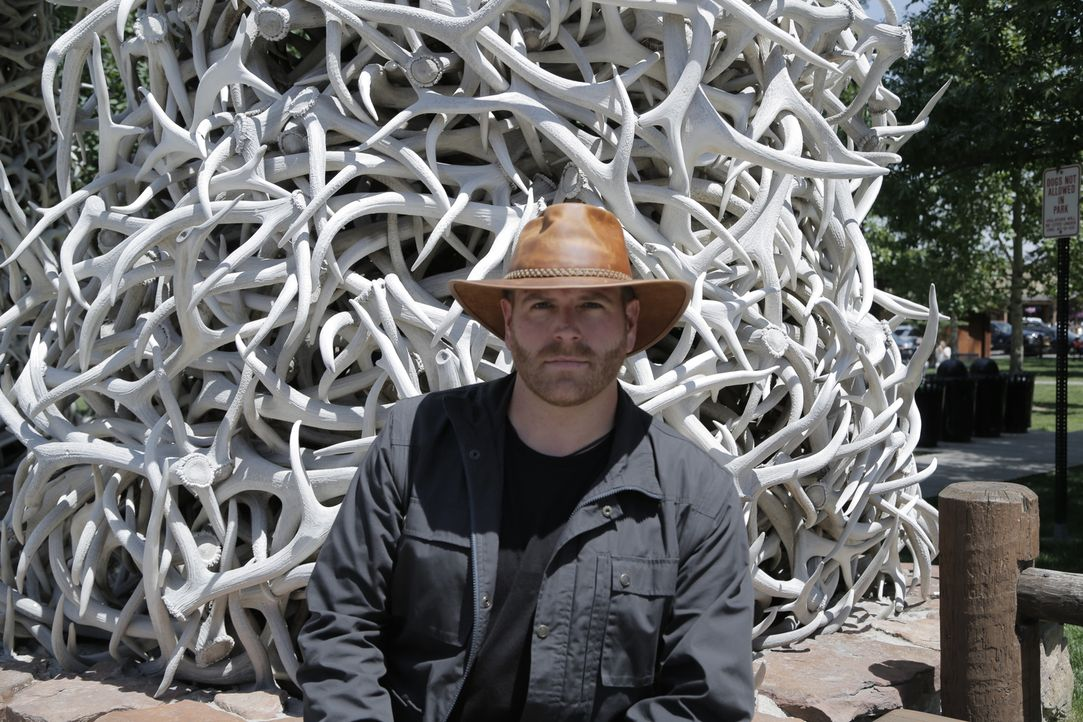 Josh Gates begibt sich in New Mexico auf Schatzsuche. Denn der Kunsthändler Forrest Fenn hat einen Schatz im Wert von zwei Millionen Dollar versteck... - Bildquelle: 2015,The Travel Channel, L.L.C. All Rights Reserved