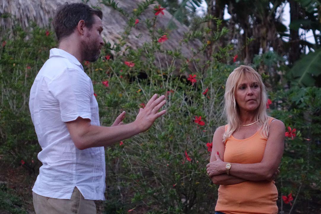 Nachdem Keith Werle (l.) und Cher Hughes (r.) aus Florida auf eine paradisische Insel vor Panama ausgewandert sind, zerbricht ihre Beziehung. Kurze... - Bildquelle: Alvaro Acosta Cineflix 2014