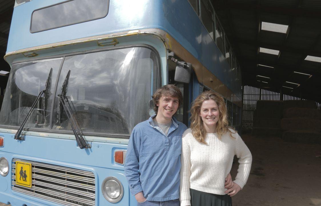 Der Betty-Bus und die Familienhütte - Bildquelle: PLUM PICTURES LIMITED MMXVII