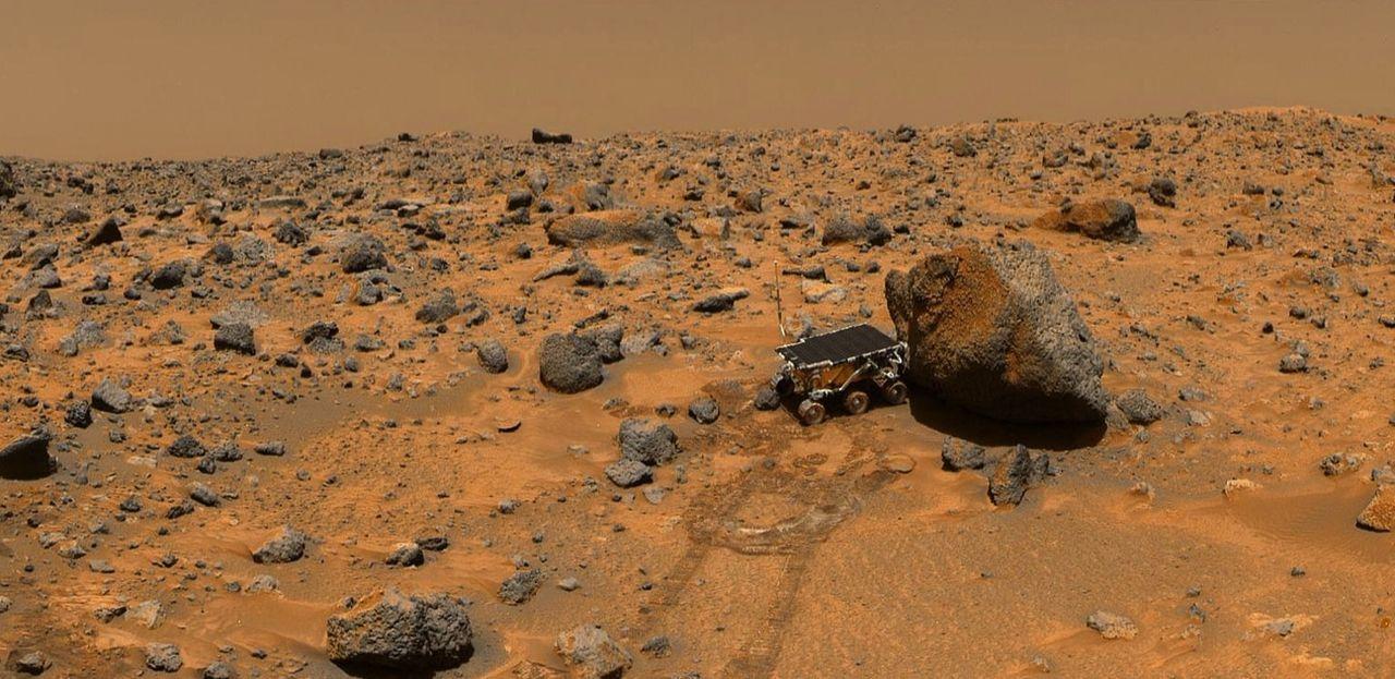 """""""Mars Pathfinder"""" (Bild) war ein US-amerikanischer Mars-Lander, der 1996 von der NASA eingesetzt wurde. Er brachte den ersten erfolgreichen Mars-Rov... - Bildquelle: NASA"""