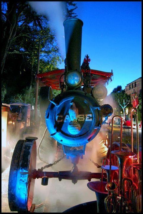 Lokomotiven oder Raddampfer aus dem 19. Jahrhundert wurden mit Dampf betrieben. Dampf als Energiequelle ist heutzutage auch wieder ein Thema, denn G... - Bildquelle: John Manyjohns