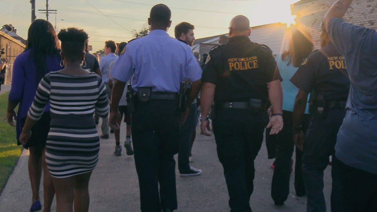 In New Orleans sind Polizisten, Feuerwehrmänner und Notärzte rund um die Uhr im Einsatz. - Bildquelle: 2017 Wolf Reality, LLC and 44 Blue Productions, LLC.  All Rights Reserved.
