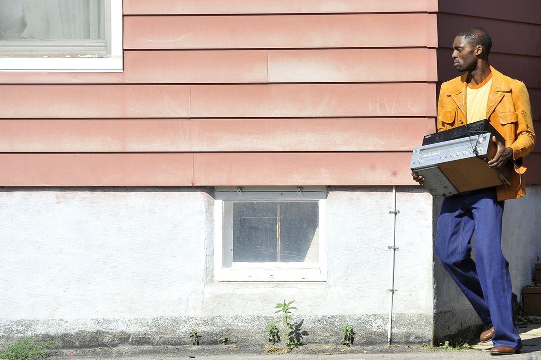 Warum musste die junge Susan Schwarz wirklich sterben? Hat Greg Johnson (Carl Palmer Jr.) etwas mit dem Mord zu tun? - Bildquelle: Jag Gundu Cineflix 2012