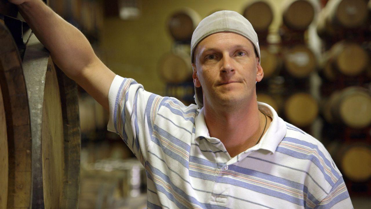 Phänomen: Nick Hess ist betrunken ohne einen Tropfen getrunken zu haben. - Bildquelle: BBC 2015
