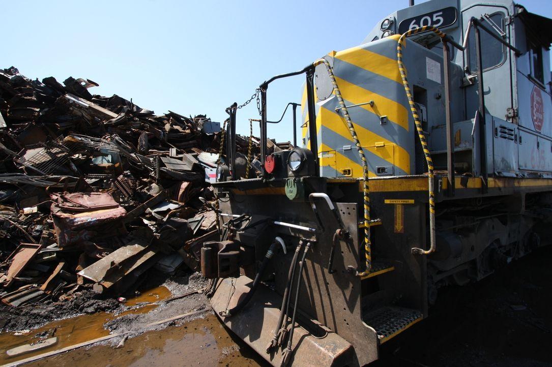 Acht Wochen dauert es, alte Diesellokomotiven wieder aufzurüsten. Danach sind die Loks reif für bis zu 20 weitere Jahre auf der Schiene, genügsamer... - Bildquelle: Louie, Tobias NGT