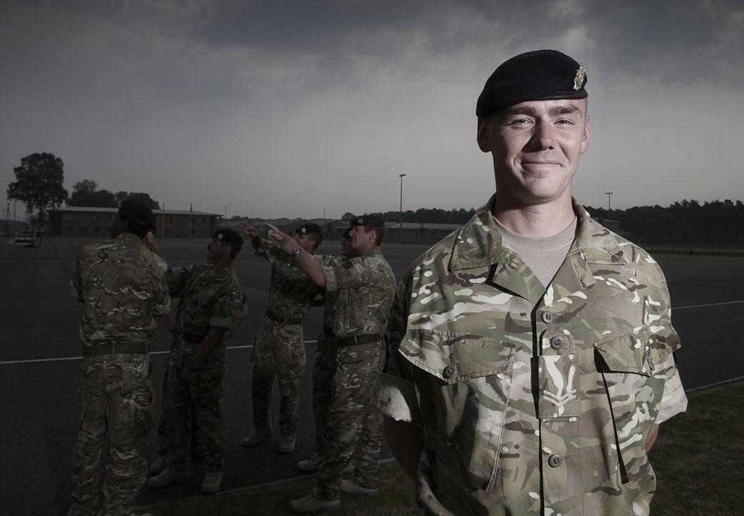 """Jeder Einsatz kann sie das Leben kosten! """"Bomb Squad"""" begleitet die Arbeit von Bombenentschärfungsteams in Afghanistan: Marty ... - Bildquelle: Richard Ansett BBC"""