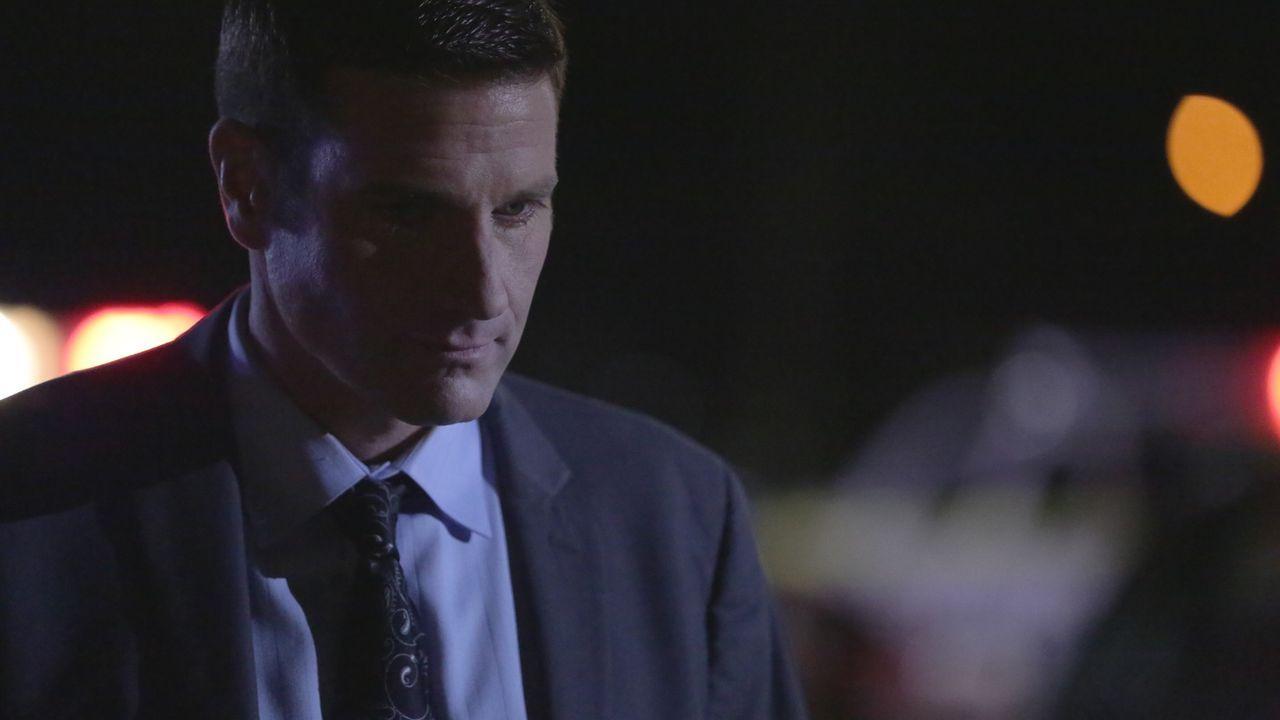 Auf der Suche nach dem grausamen Parkplatz-Mörder: Lieutenant Joe Kenda (Carl Marino) ... - Bildquelle: MMXV DISCOVERY COMMUNICATIONS, LLC