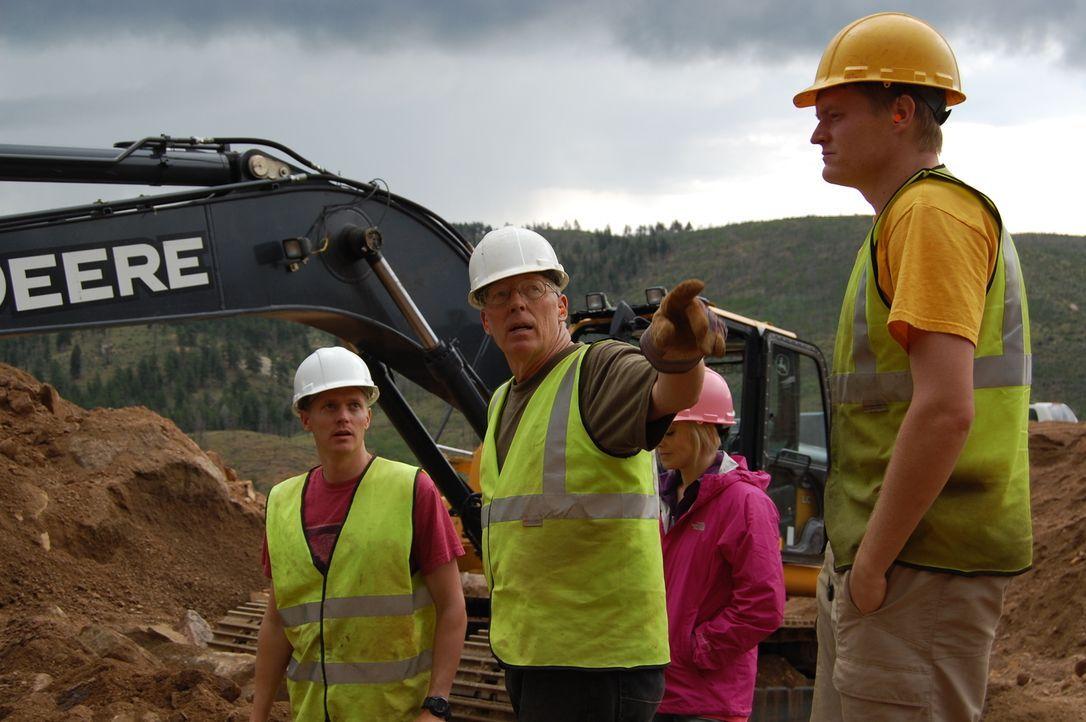 Als hätte Familie Dorris nicht schon genug Probleme, jetzt machen starke Regenfälle ihre Grabungsstätte zu einem gefährlichen Ort ... - Bildquelle: High Noon Entertainment 2014