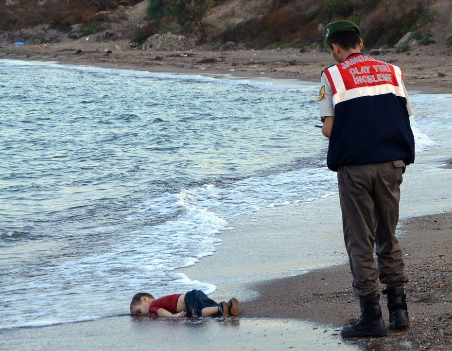 Die blanke Todesangst in ihren Augen: Das Foto der neunjährigen Kim Phuc, di... - Bildquelle: Touchdown Films
