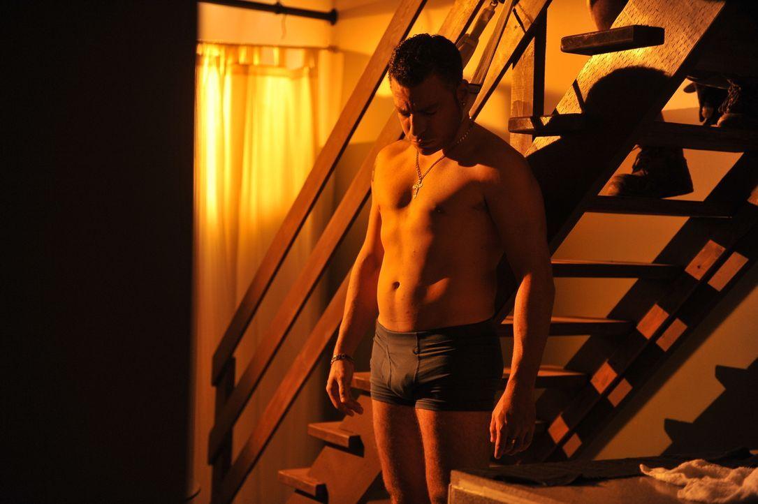 Der ehemalige Box-Champion Arturo Gatti (Jeremy Filosa) wird ermordet. Doch wer steckt dahinter? - Bildquelle: Jag Gundu Cineflix 2012