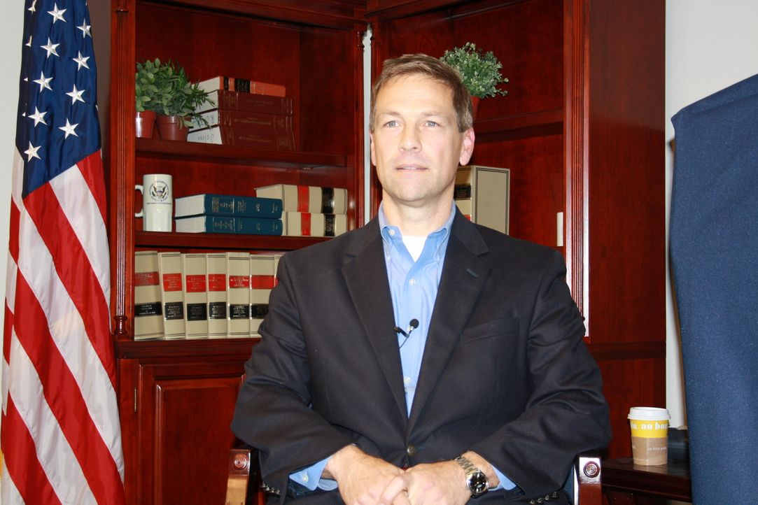 Ermittler beim National Transportation Safety Board, Joe Sedor,  spricht über seine Arbeit ...