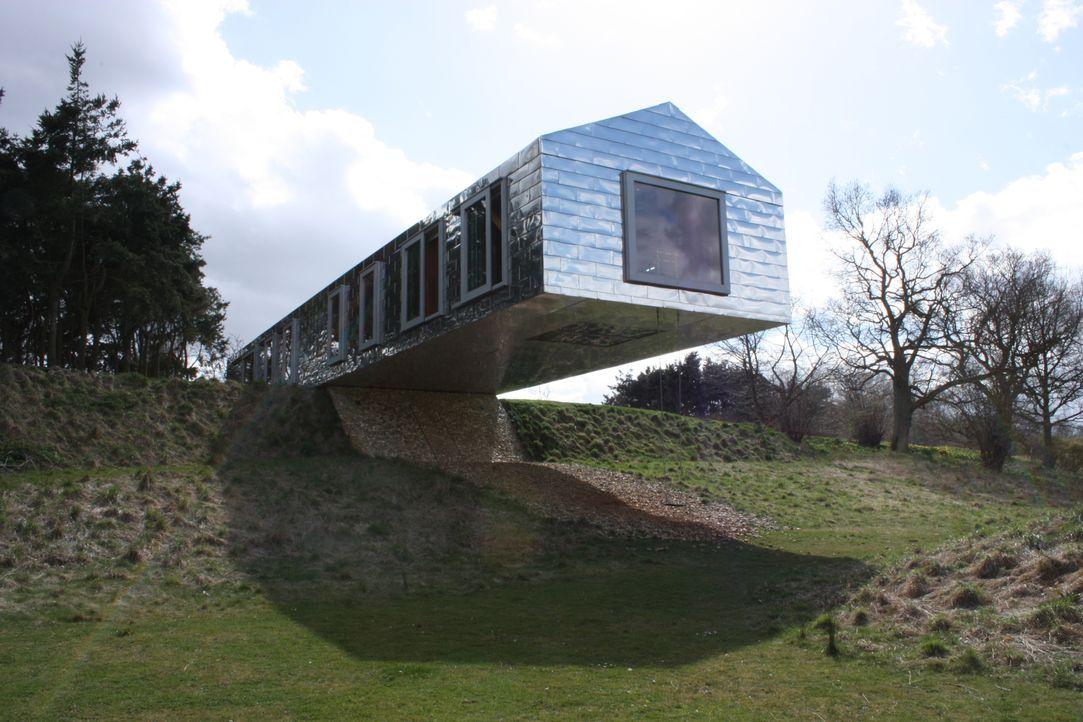 George Clarke blickt zurück auf atemberaubend designte Wohnräume und beweist... - Bildquelle: Hat Trick International