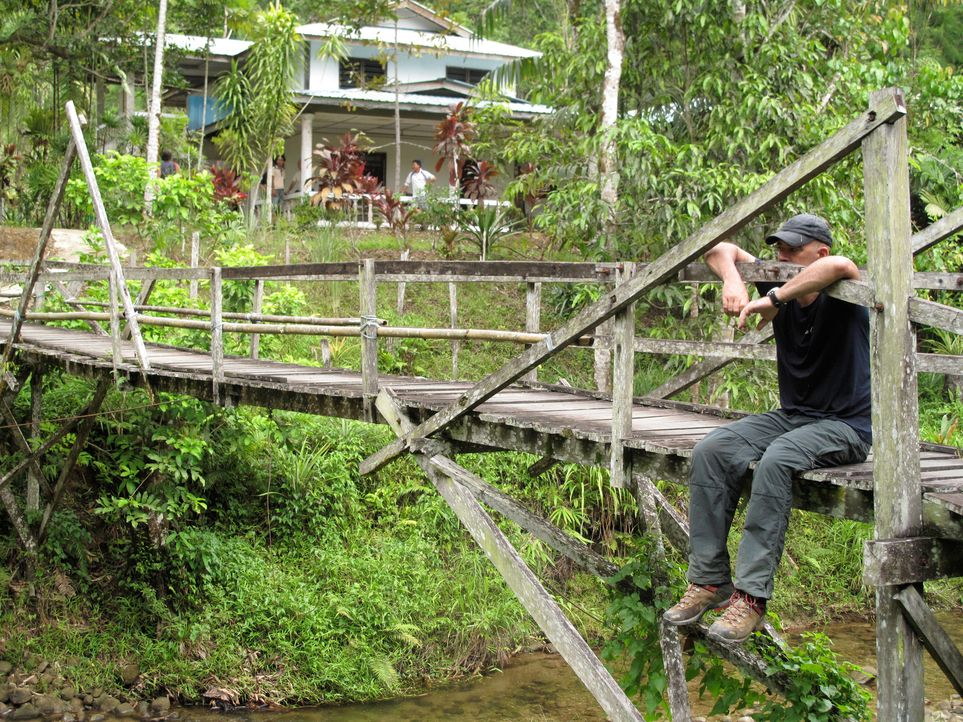 "In den Tiefen des Urwalds von Borneo will Todd Carmichael die seltene und exotische Kaffeepflanze ""Liberica"" finden. Auf seiner Reise erlebet er gan... - Bildquelle: 2012, The Travel Channel, L.L.C. All rights Reserved."