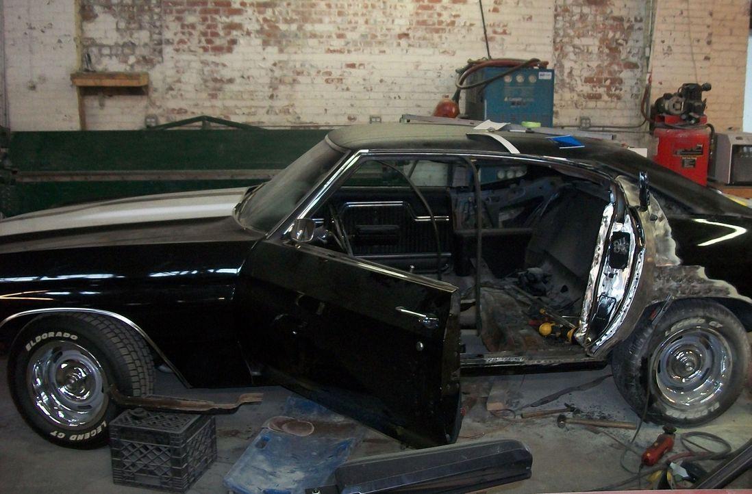 Einen 1970er Chevrolet Chevelle SS behindertengerecht auszubauen, ist keine leichte Aufgabe - das müssen auch Dan und sein Team sehr schnell festste... - Bildquelle: Javier Rivera New Dominion Pictures LLC.