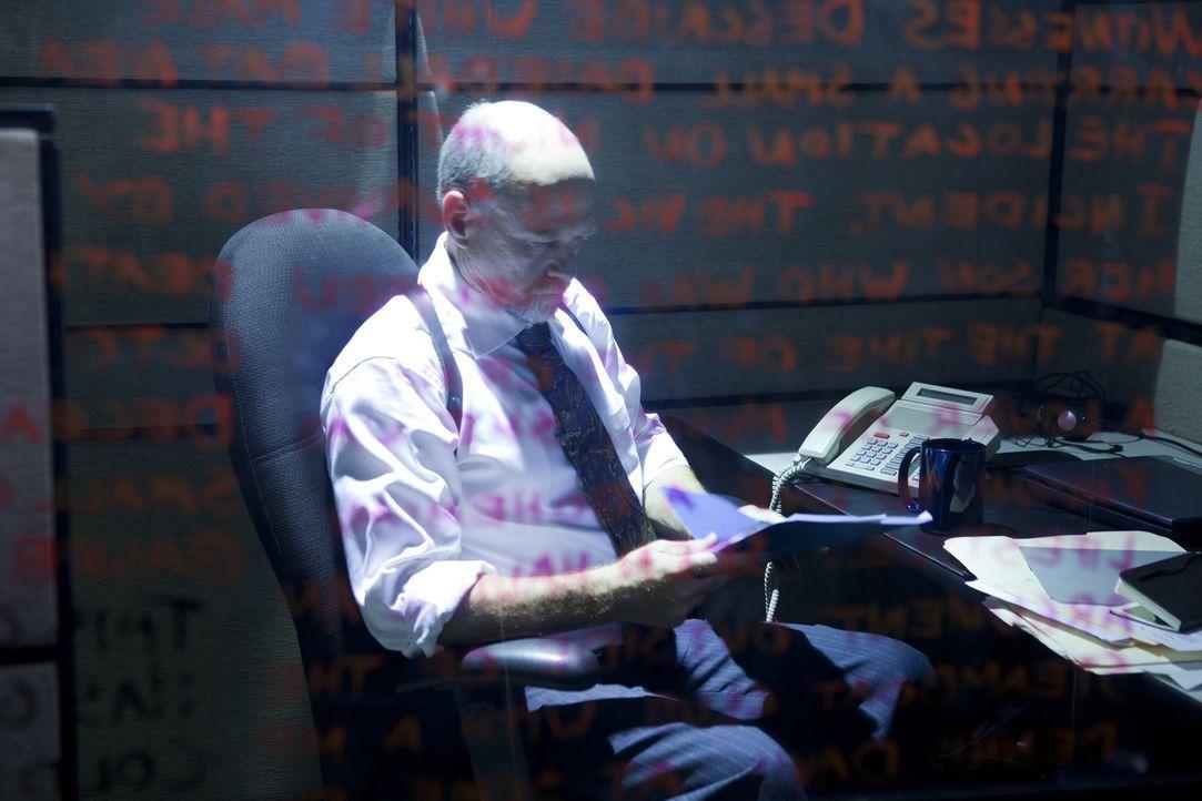 20 Jahre nach dem Mord an Natalie Antonetti aus Austin, Texas rollt Ermittler Tom Walsh (Frankie Skrzeszewski) den Fall neu auf. Wer hat die beliebt... - Bildquelle: Darren Goldstein Cineflix 2011