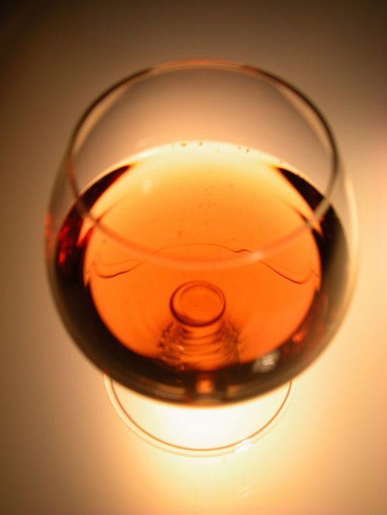 Seit Jahrtausenden wird Whiskey in Irland und Schottland gebrannt. Doch nach der Besiedelung Amerikas wurde die Spirituose bald auch in Amerika herg... - Bildquelle: Jupiter Images