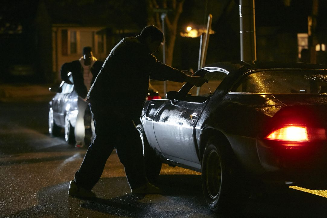Auf der Fahrt nach Hause wird die zweifache Mutter Kimberly Dunkin von einem Unbekannten angehalten und durch einem Kopfschuss getötet. Was ist dort... - Bildquelle: Ian Watson Cineflix 2015