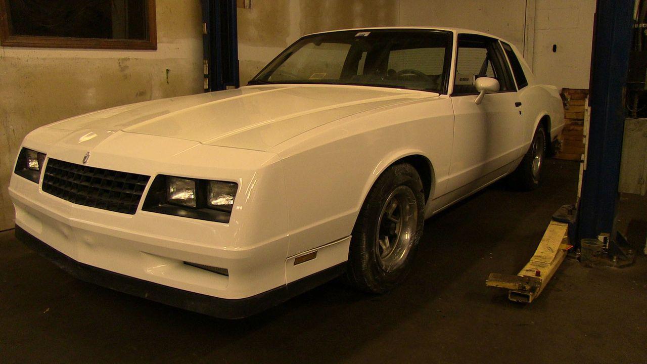 Kevin möchte seiner Frau Meghan zum Geburtstag den restaurierten 1984er Chevrolet Monte Carlo schenken. Werden Dan und sein Team den Klassiker so au... - Bildquelle: Javier Rivera New Dominion Pictures LLC.