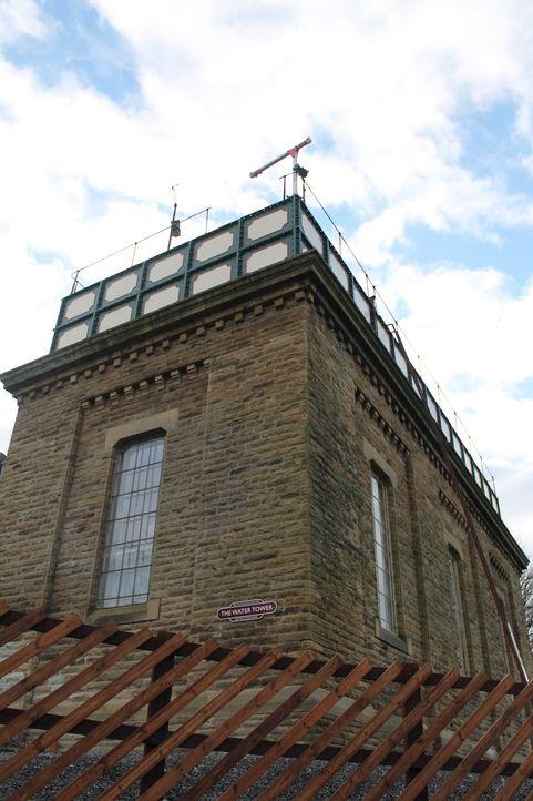 Aus einem ausgedienten Wasserturm, einer verfallenen Kirche oder einer alten Windmühle lässt sich mit viel Fantasie, Geduld und Herzblut ein neues H... - Bildquelle: Tiger Aspect Productions Ltd MMXV