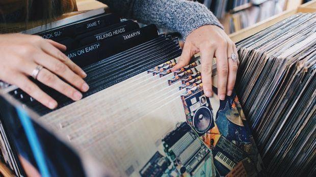 Das Geschäft mit der Schallplatte boomt wieder.