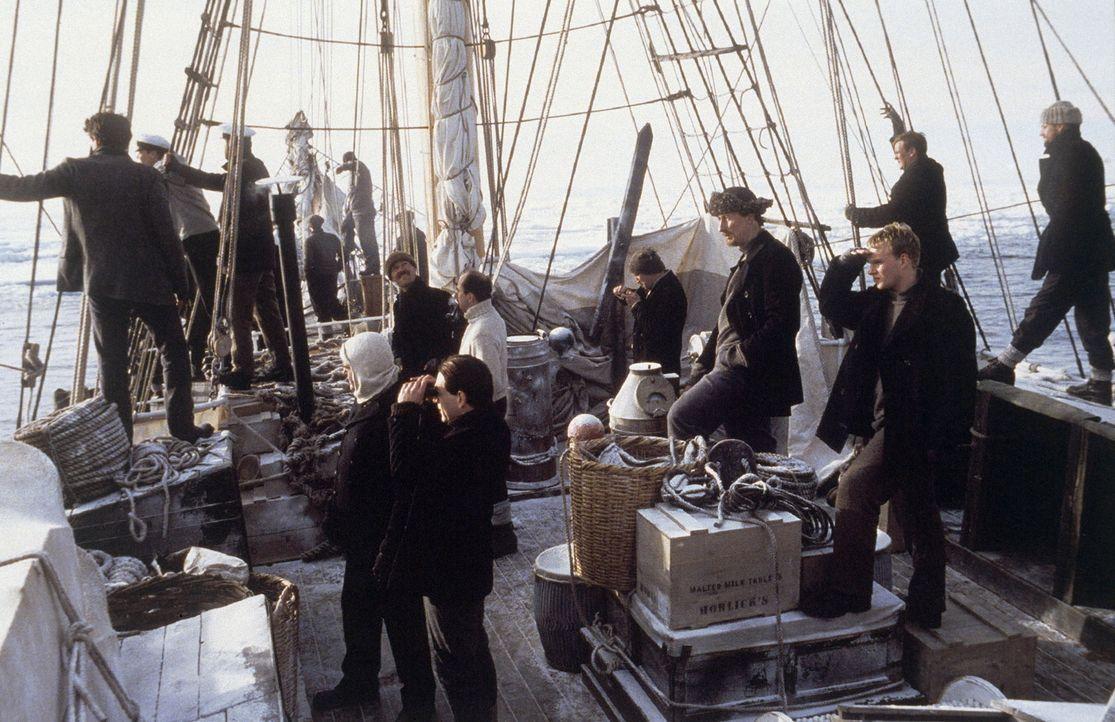 Der Brite Ernest Shackleton bricht 1914 samt Gefolgschaft auf dem Seeweg auf, um eine der gefährlichsten Reisen in der Geschichte der Polarforschung... - Bildquelle: Channel Four Televison Corporation MMI