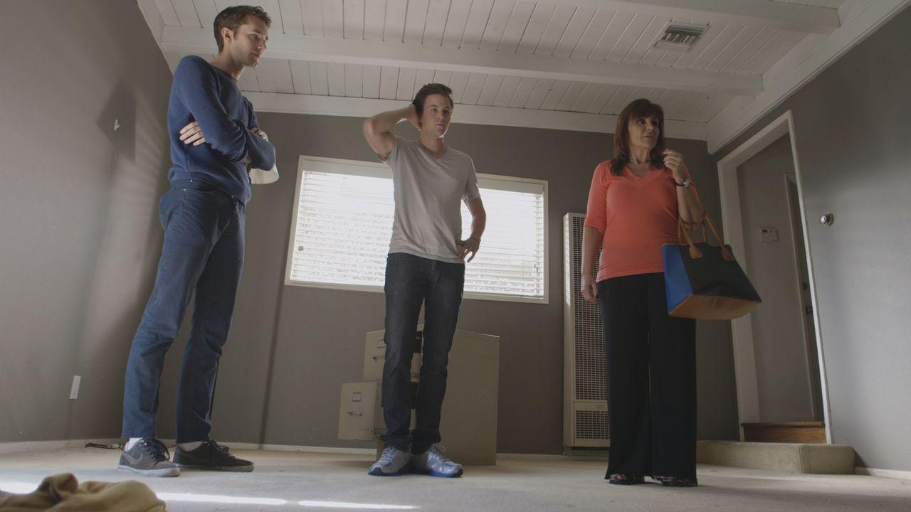 Als Rachels Mutter und Freunde in die Wohnung der Grundschullehrerin kommen, machen sie eine verblüffende Entdeckung. All ihre Habseligkeiten und ih... - Bildquelle: LMNO Cable Group