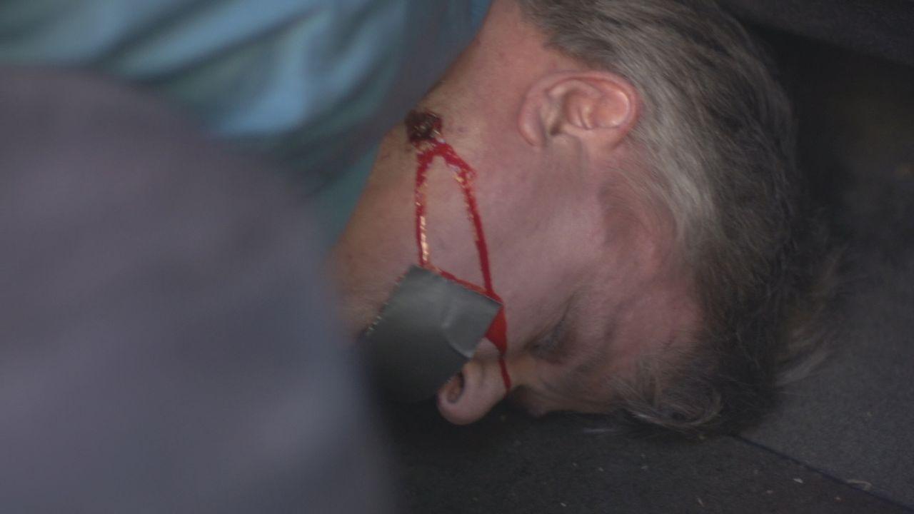 Tod eines Kirchenmannes: Nachdem der 44-jährige Kirchendiakon Philipp Perry aus Kalifornien in seinem Auto erschossen wurde, sucht die Polizei verzw... - Bildquelle: LMNO Cable Group