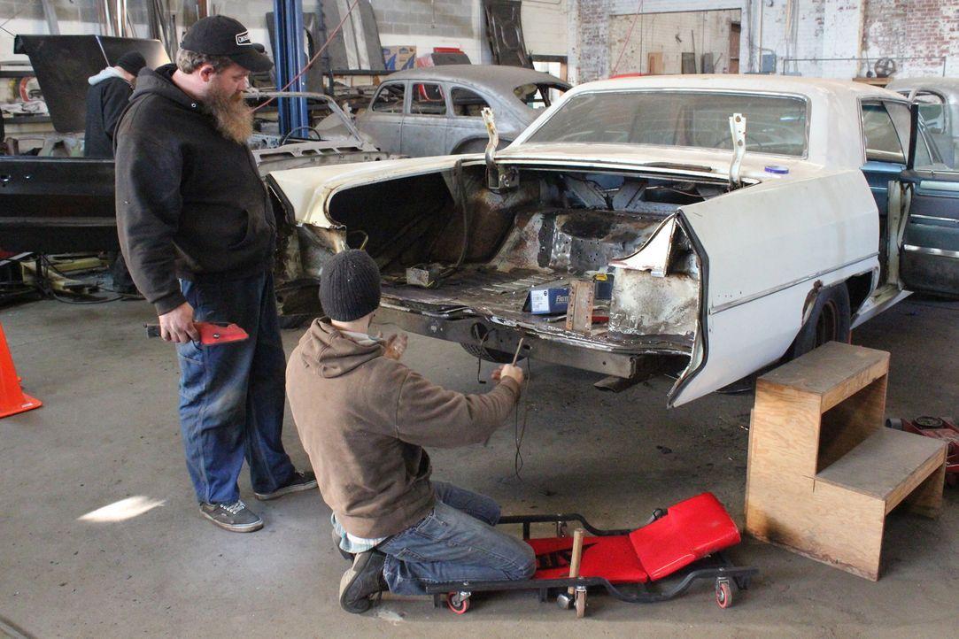 Dan und sein Team müssen den alten 1965er Cadillac DeVille von Grund auf neu aufbauen, den die Zeit und vor allem die Witterung haben dem Kultauto g... - Bildquelle: Javier Rivera New Dominion Pictures LLC.