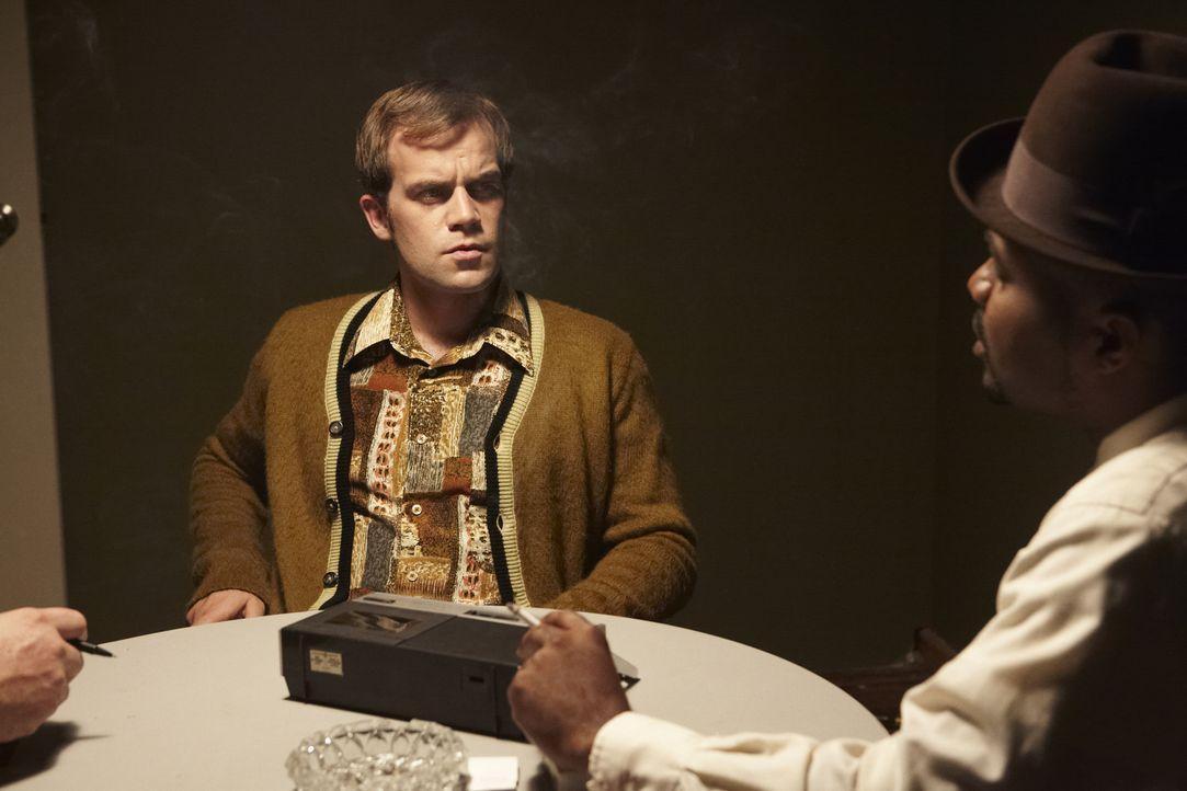 Kann Bil Leggett (John Riley O'Handley) wichtige Hinweise liefern, um den Tod einer jungen Mutter aufzuklären? - Bildquelle: Jag Gundu Cineflix 2012