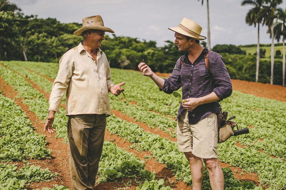 Bill Weir (r.) reist nach Kuba und begutachtet die Situation auf der Insel ... - Bildquelle: Bill Weir 2015 Cable News Network. A Time Warner Company. All Rights Reserved.